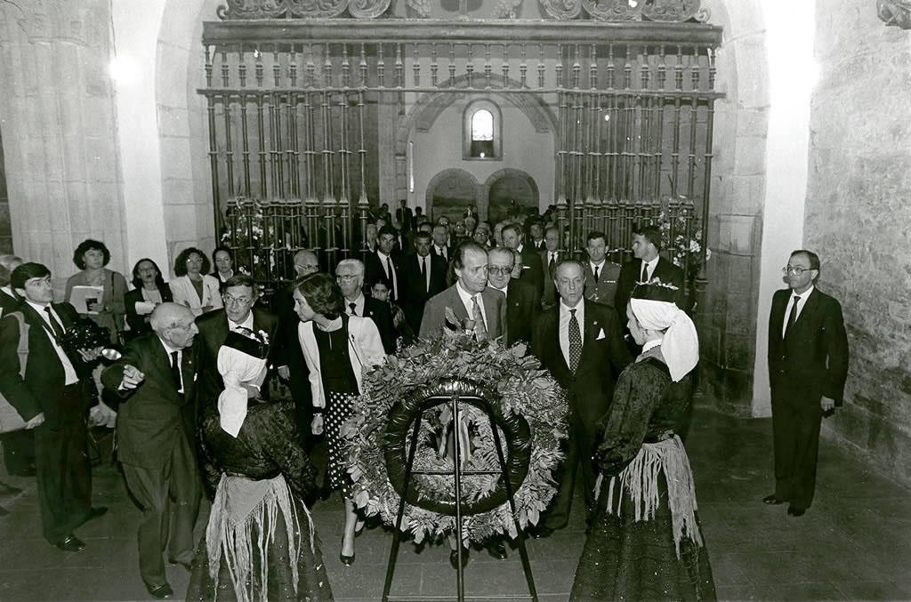 Antonio Fraguas coas SSMM os Reis de España