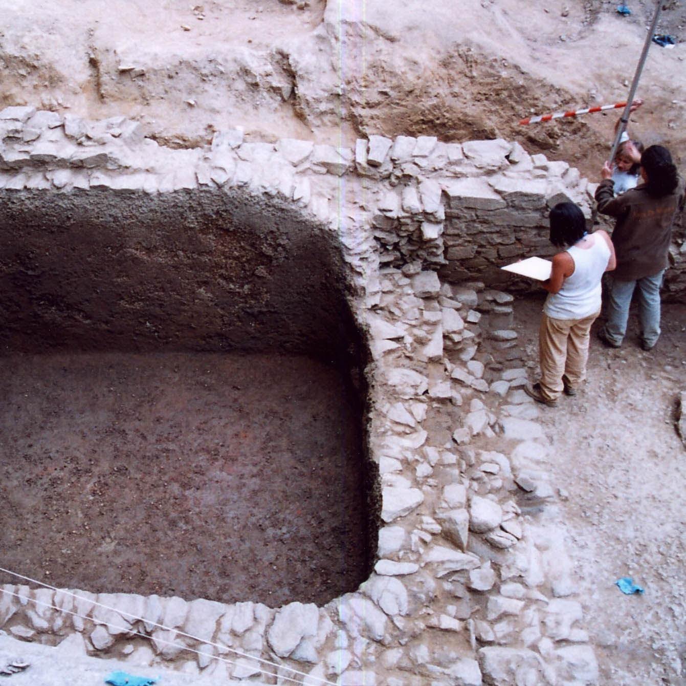 Arqueoloxía na cidade. Dúas intervencións nos xacementos romanos de Lugo e Vigo